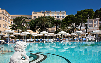 Europe Italy Amalfi Coast Capri Quisisana Hotel large pool serene sunbathing lounge - luxury vacation destinations