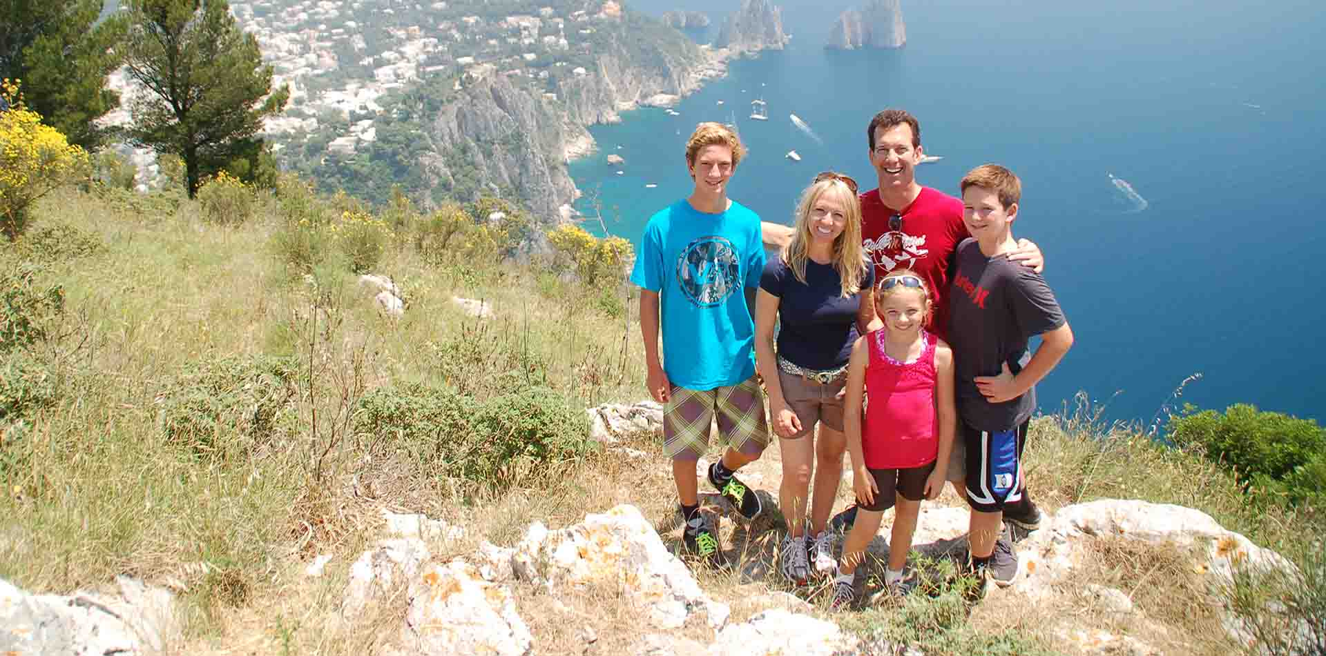 Family traveling in Italy