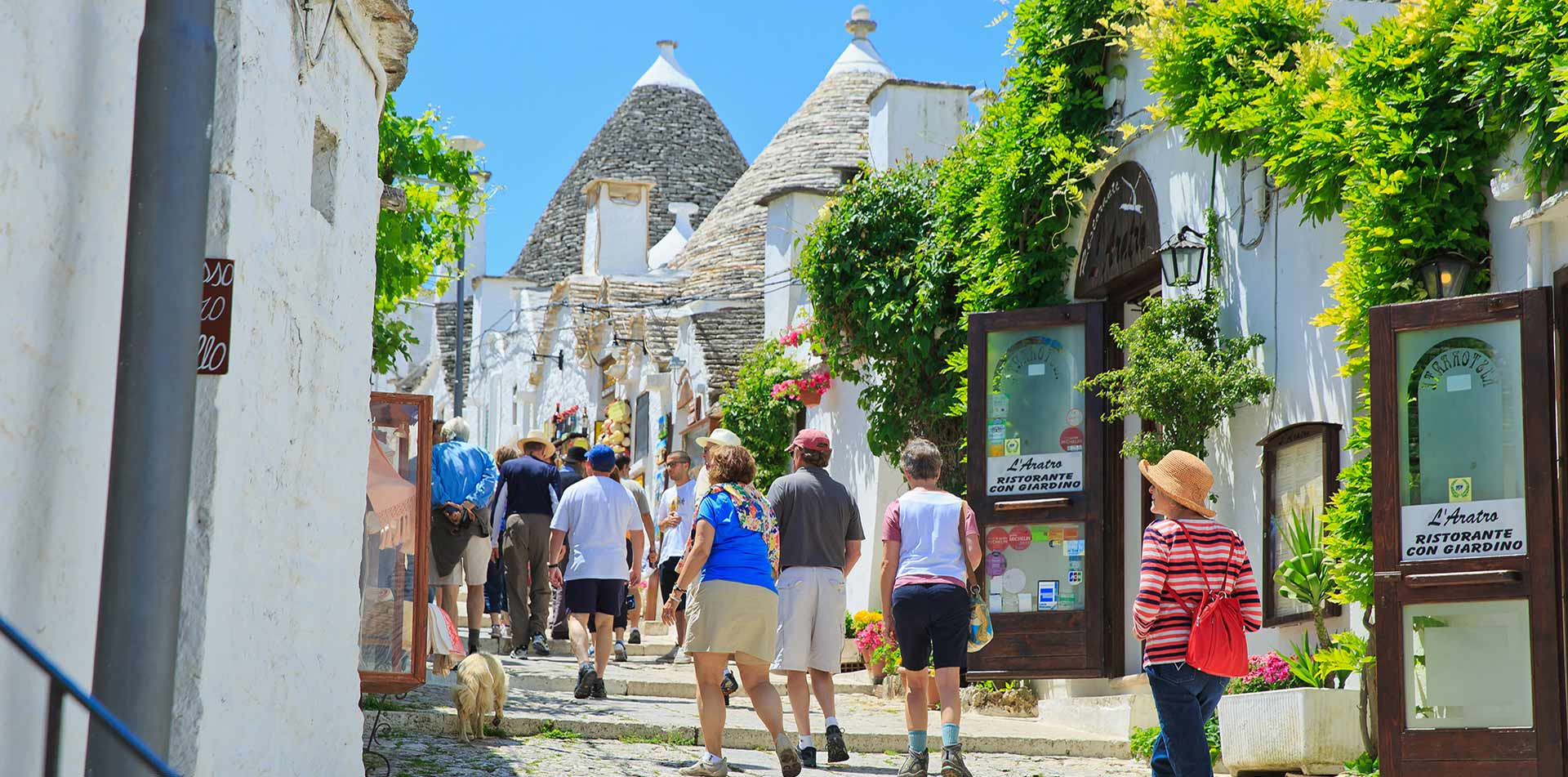 Guided tour in Alberobello, Italy